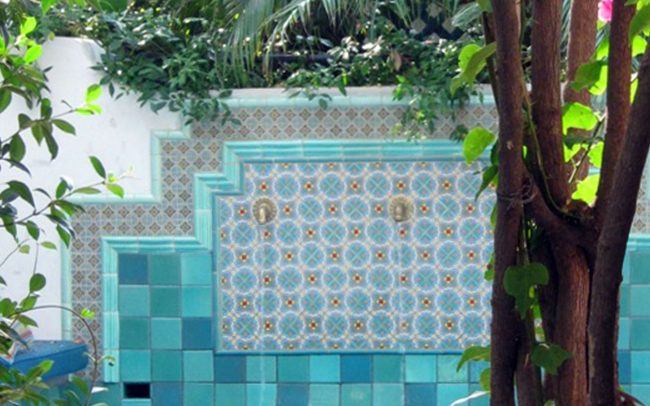 Spa tiles with foliage