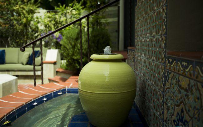 Bauer oil jar fountain