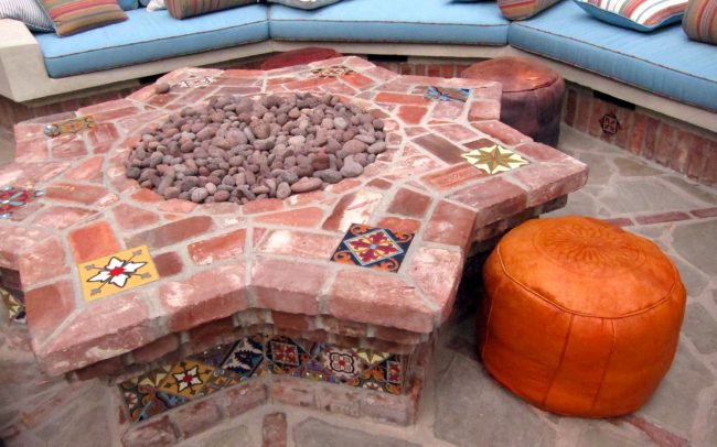 Star-shaped fire pit