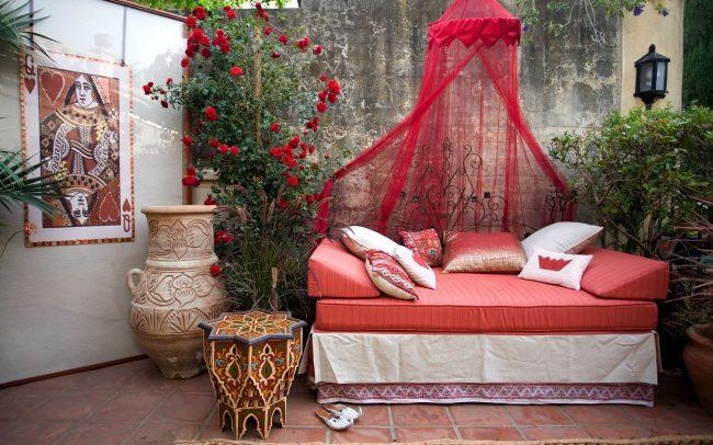 Queen of Hearts Sleeping Porch